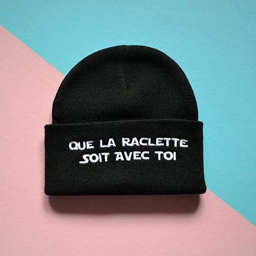 Bonnet brodé raclette