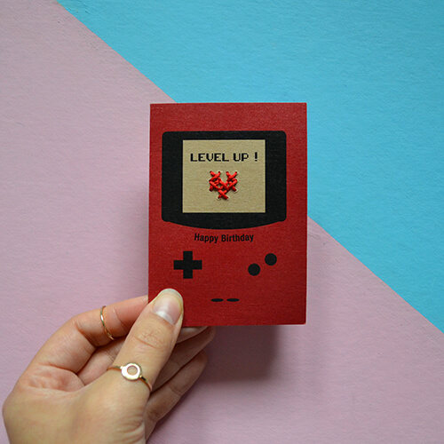 Carte d'anniversaire brodée Game boy